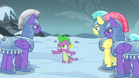 Spike commands group of guards to search west S6E16