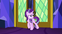 Starlight Glimmer entering the throne room S7E15