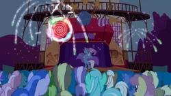 Trixie's flashy stage S1E06