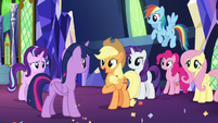 Twilight Sparkle's friends offering to help S8E2