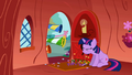 Twilight being surprised S01E03.png