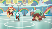 Yona stomps beside Shimmy and Lighthoof S9E15