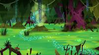 Azurantium trail over a green swamp S8E17