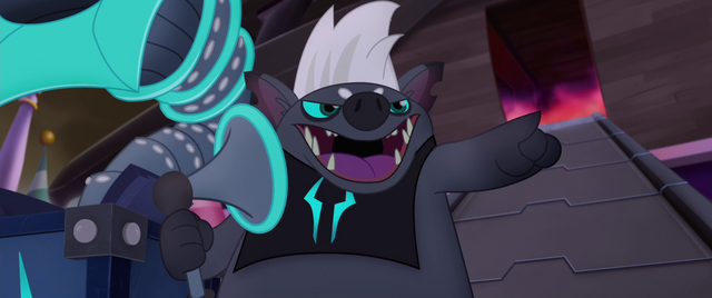File:Grubber addressing the ponies of Canterlot MLPTM.png