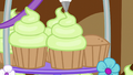 Icing being added on another cupcake S5E19.png
