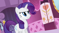 Rarity calls out to Sweetie Belle S4E01