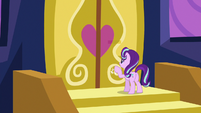 Starlight Glimmer knocks on the doors again S6E25