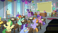Twilight Sparkle's class is in session S8E12