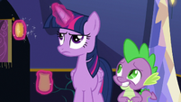 Twilight looking annoyed S6E15