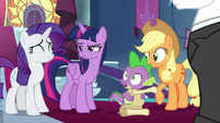 Twilight narrows her eyes at Rarity S9E13