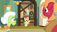 Apple Bloom returns in hunting gear S9E10