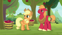 "Applejack ""I appreciate her volunteerin'"" S9E10"