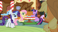 Applejack 'And she's modest and humble' S2E08