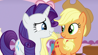 Applejack agreeing with Rarity S7E9