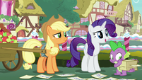 Rarity -Hoity Toity has expertise in fabric- S7E9