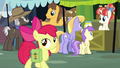 Apple Bloom walks through the market S7E13.png