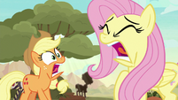 Applejack and Fluttershy scream in terror S8E23