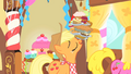 Applejack leaving with food S1E22.png