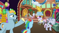 Big Stallion gesturing toward other old ponies S8E5