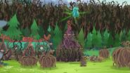 Gloriosa Daisy traps more campers in vine domes EG4