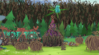 Gloriosa Daisy traps more campers in vine domes EG4
