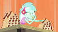 Lyra eating hot dogs EG3.png