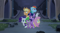 Main ponies shaking S04E03