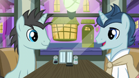 Neon Lights and polo pony in a diner S6E12