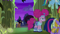 Pinkie Pie enters the corn maze S5E21.png