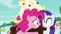 Pinkie Pie explains the situation to Rarity S6E3