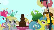S04E12 Derpy przy czekoladowej fontannie