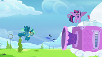 Sky Stinger blown by light gust of wind S6E24