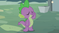 "Spike ""zips"" his mouth S4E23"