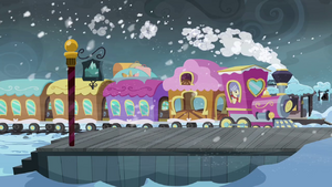 Train pulls into the arctic north station S3E01