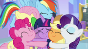 Twilight Sparkle surrounded by love S9E25