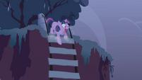 Twilight near fall S1E2