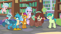 Young Six looking over at Cozy Glow S8E22