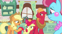 "Applejack ""I figured the Pears moved"" S7E13"