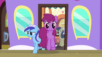 Berryshine leaving the train S4E13