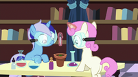 Filly Minuette and Twinkleshine in chemistry class S7E1
