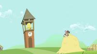 Globe Trotter looks at the clocktower S2E19