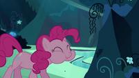 Pinkie Pie clone eats the mushroom S3E03