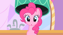 Pinkie Pie with her regular mane again S01E26