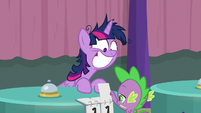 Spike changes Twi-Pie's score to eleven S9E16