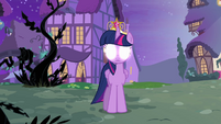 Twilight with glowing eyes S4E02