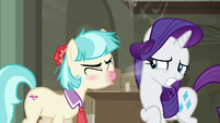 Coco Pommel sneezing in Rarity's face S6E9