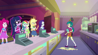 Equestria Girls surprised to see Juniper Montage EGS3