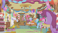 Gilda wants Rainbow Dash to leave with her S1E05.png