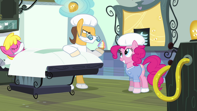 File:Pinkie Pie dressed as surgeon's assistant S4E12.png