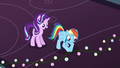 Rainbow Dash plugs in the last lights S6E8.png